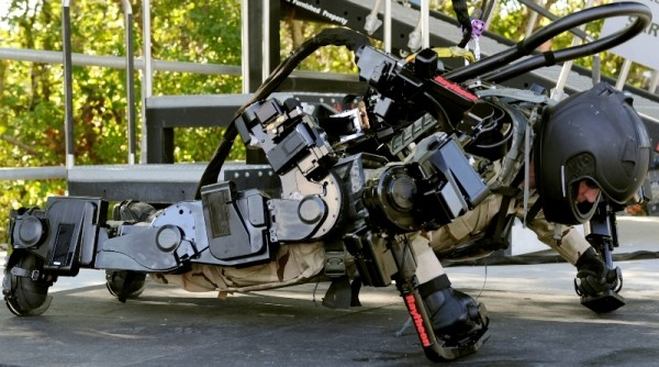 A Look at The Real-Life Exoskeletons That Inspired Call of